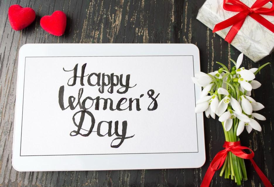 Nowość Technologiczne gadżety na Dzień Kobiet 2018 EB66