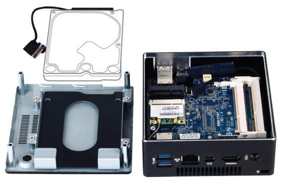Gigabyte BRIX komputer mini-PC zdjęcie wnętrze dysk